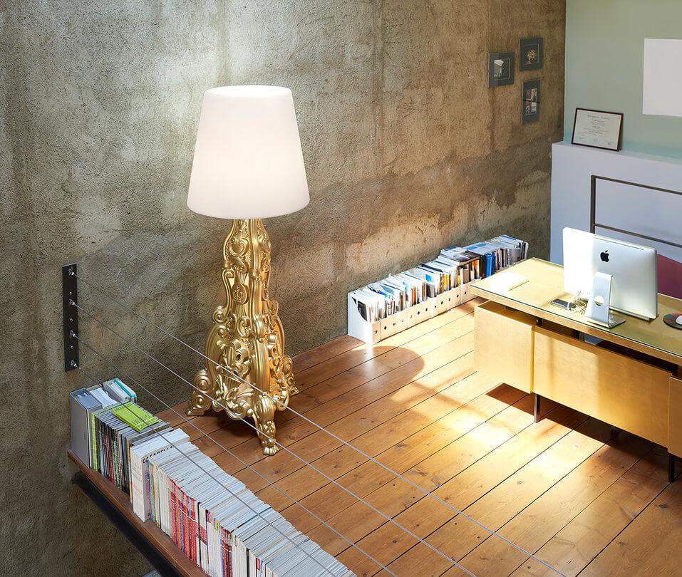 lampa podea stil baroc