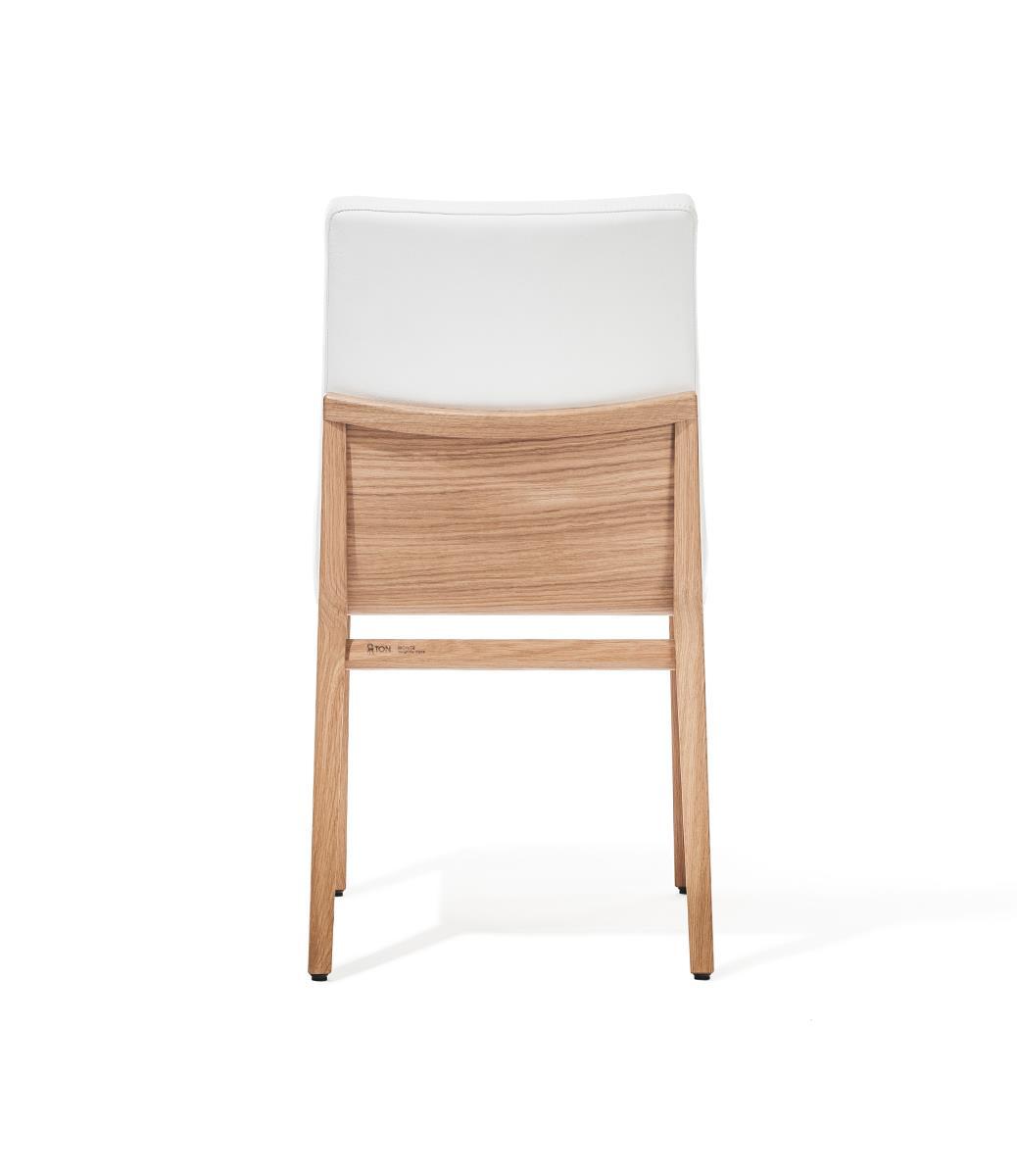 scaun din lemn tapitat