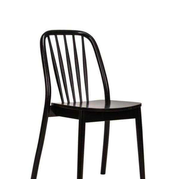 scaun negru din lemn