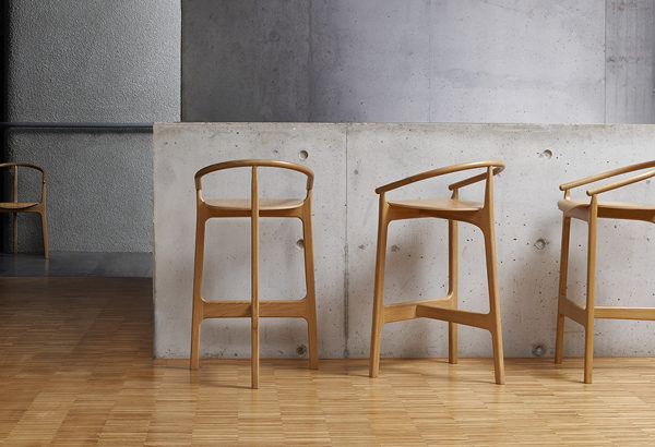 scaune bar din lemn
